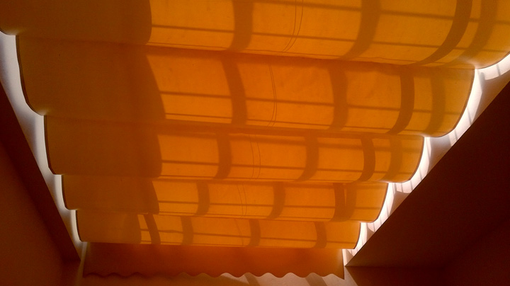 Bạt che nắng mưa dạng Xếp Lớp giếng trời