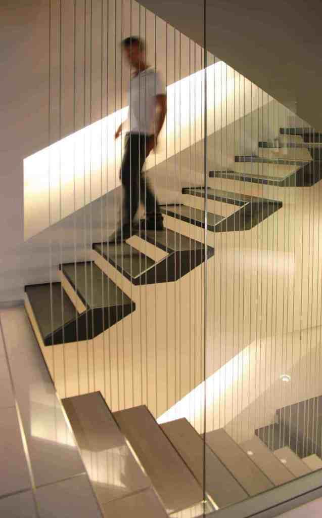 cáp cầu thang việt nhật